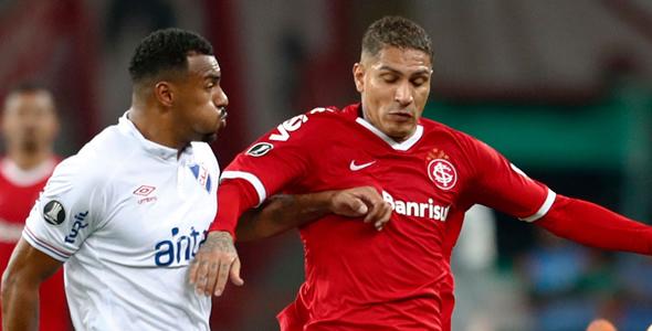 前锋保羅古里路(右)上场為國際體育會射入關鍵一球。